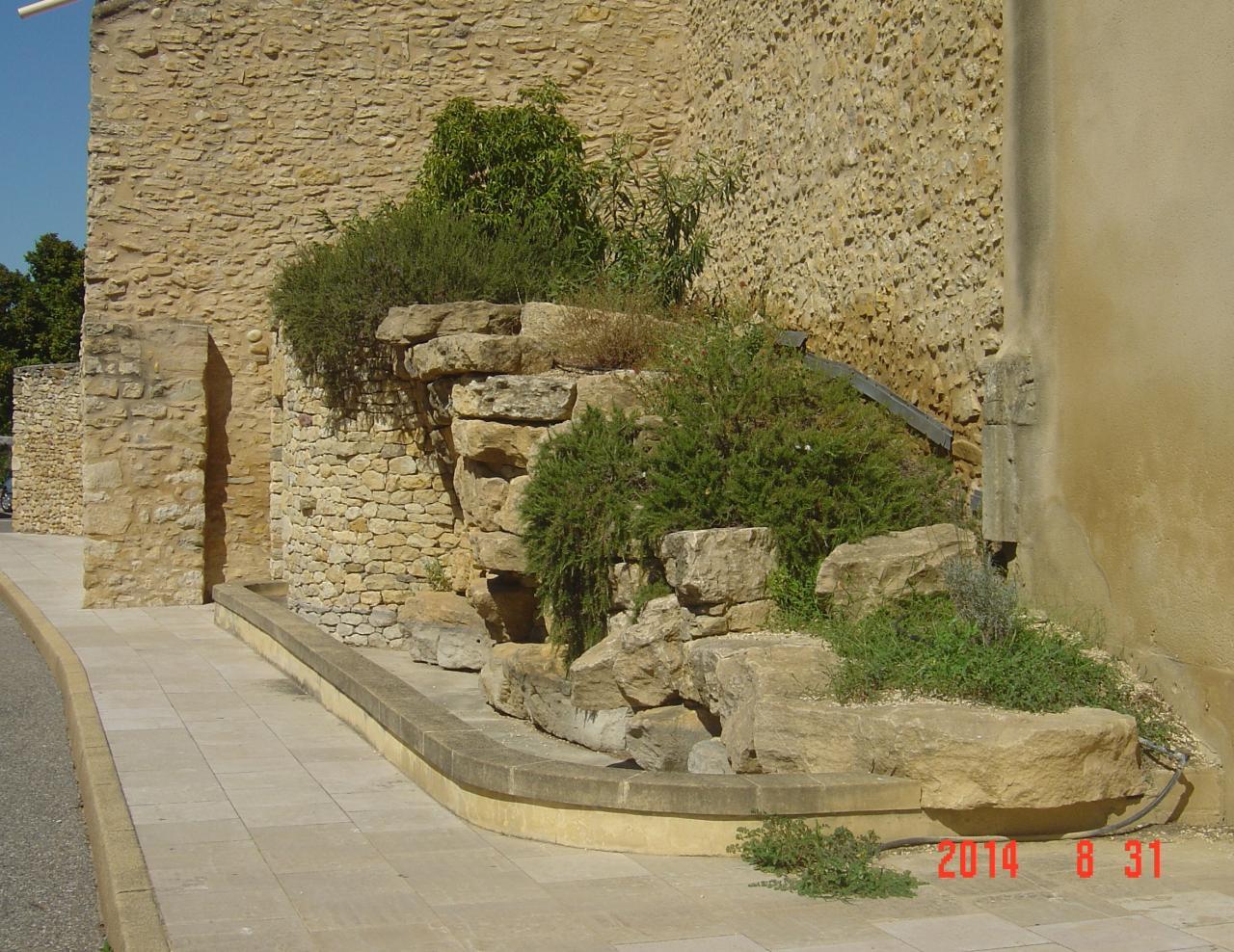fontaine rue de la Magnanerie