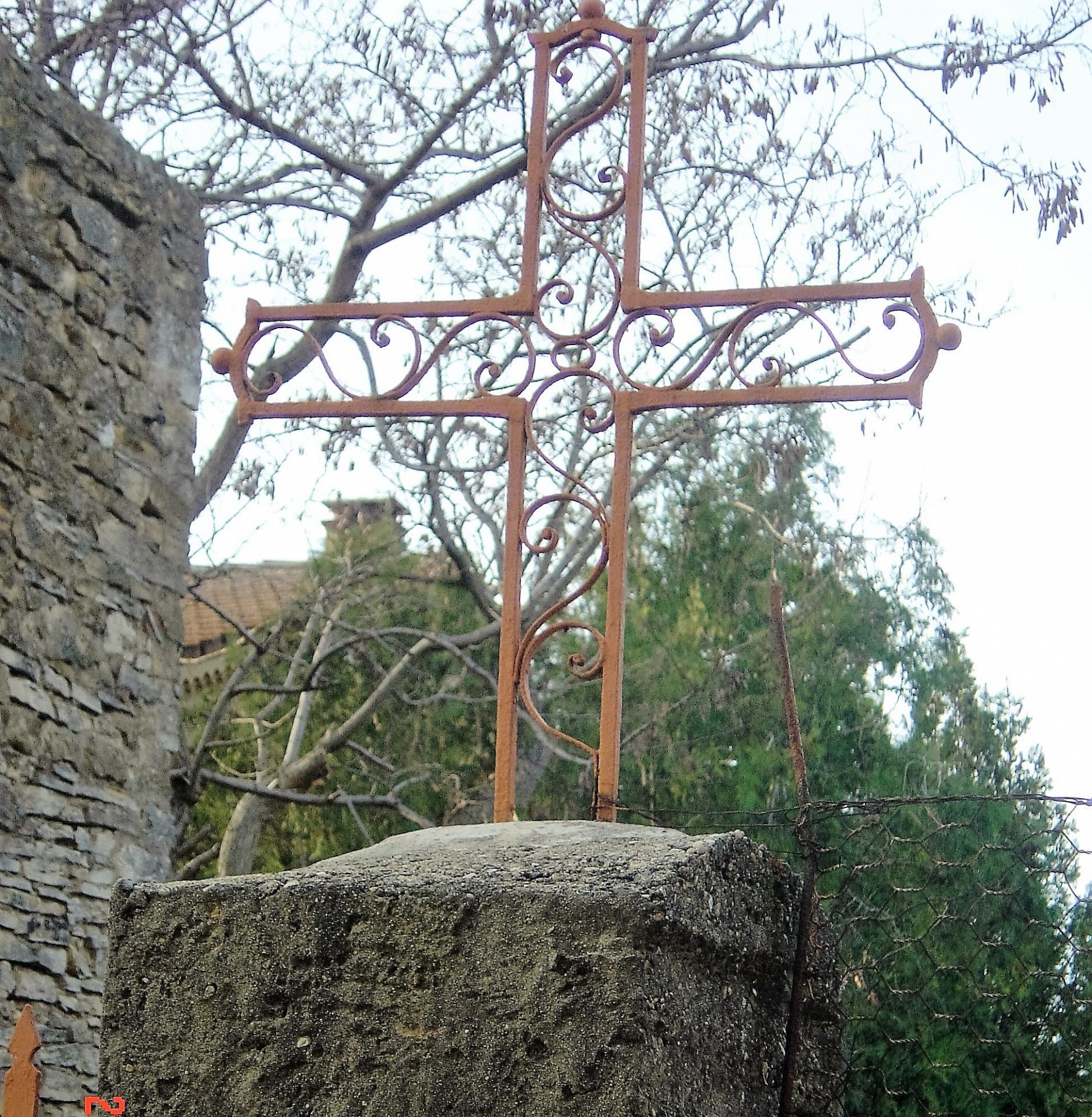 croix rue du pont